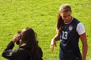 Alex Morgan skall intervjuas