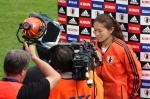 Homare Sawa intervjuas av japansk tv