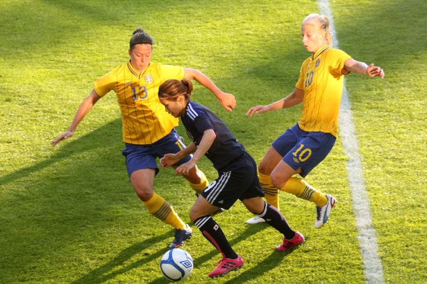 Nahomi Kawasumi utmanar Lina Nilsson och Sofia Jakobsson