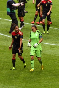Celia Okoyino da Mbabi och Nadine Angerer