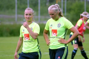 Tove Almqvist och Stina Blackstenius