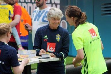 Pia Sundhage och Lotta Schelin