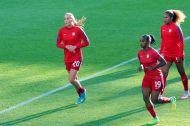 Allie Long, Crystal Dunn och Casey Short