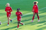 Allie Long, Crystal Dunn och Casey Short