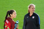 Christen Press och Lindsey Horan