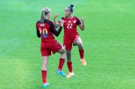 Allie Long och Mallory Pugh