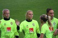 Hanna Glas, Mimmi Larsson och Petra Andersson. I förgrunden Linda Sembrant.