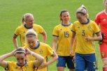 Glädje hos Jonna Andersson, Jessica Samuelsson och Linda Sembrant. I förgrunden Kosovare Asllani och Lisa Dahlkvist.
