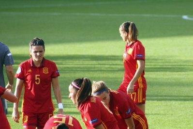 5 Andrea Pereira och 17 Olga Garcia
