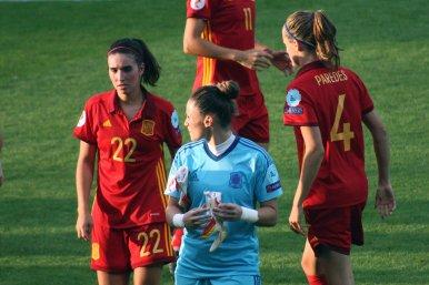 Mariona Caldentey, Sandra Panos och Irene Paredes