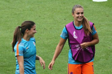 Danielle van de Donk och Lieke Martens.