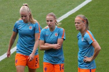 Kika van Es, Jackie Groenen och Sheila van den Bulk.