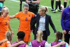 Kika van Es, Sherida Spitse och Sarina Wiegman