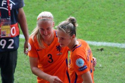 Stefanie van der Gragt och Vivianne Miedema.