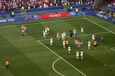 USA tackar publiken